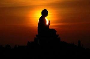 Bouddha contre jour